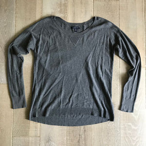 American Eagle Gray Pullover Knit Sweater Size M
